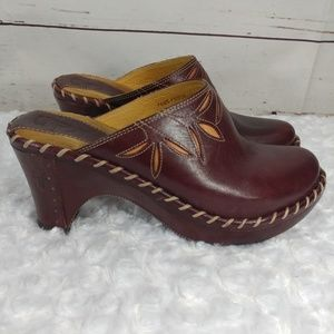Frye burgundy leather clogs floral cutout size 6